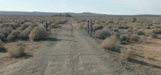 Hawes_CA_road_03