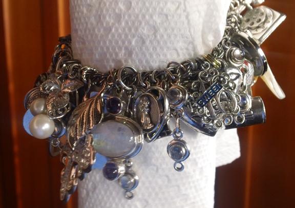 Bracelet hanging drape, best