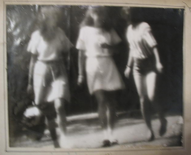 3 Girls walking