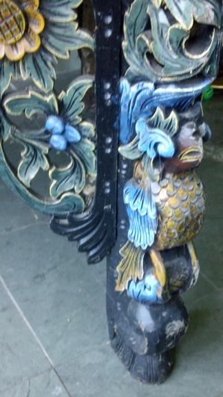 Leg bird front