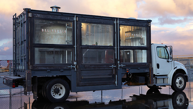 The-33000+pound-pizzeria-on-a-truck