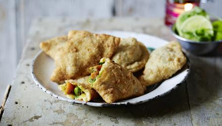 Vegetable_samosas_24177_16x9